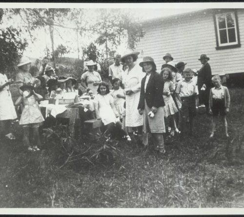 Larnook Public School, School picnic, 1940's.  State Archives NSW.