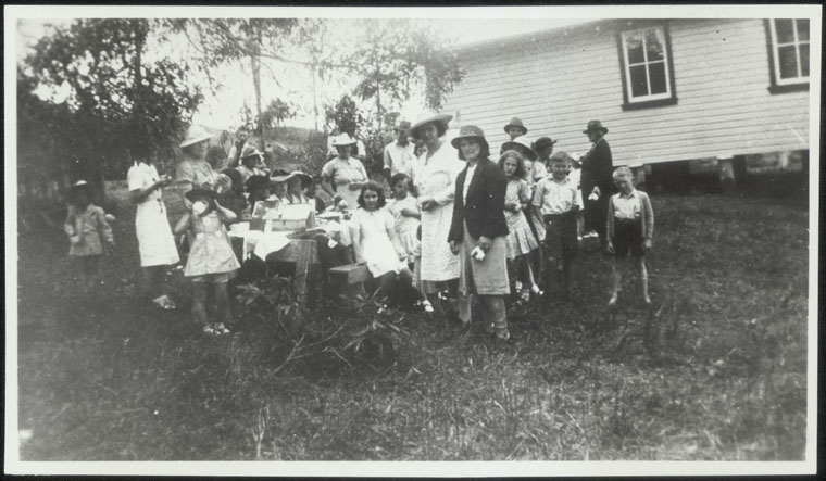 Larnook Public School, School picnic, 1940's. State Archives NSW.